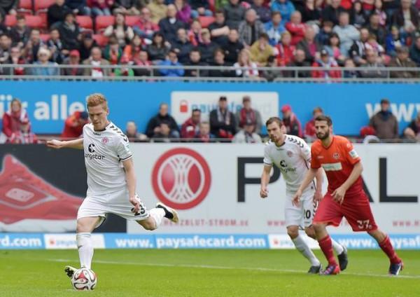 Kaiserslautern-St. Pauli 0-2 c