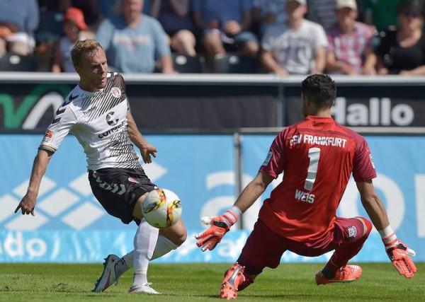 Francoforte-St. Pauli 1-0